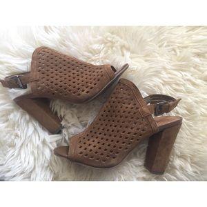 ✨Suede Brown heels✨